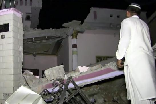 Дома обрушились на головы жителей Кашмира и Пенджаба